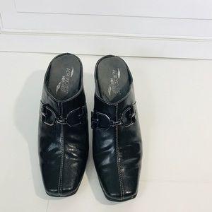 Aerosoles heelrest Black clog mule slide buckles